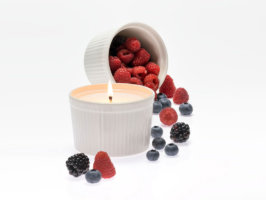 Candela vegetale Grand Soufflè Frutti di Bosco - 250 ml - Lumen