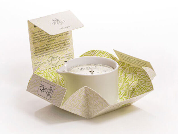 "Candela da massaggio Tribe ""E"" Vivalu - Matcha Green Tea - 100 ml - Lumen"